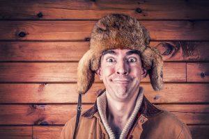 pan w zimowej czapce