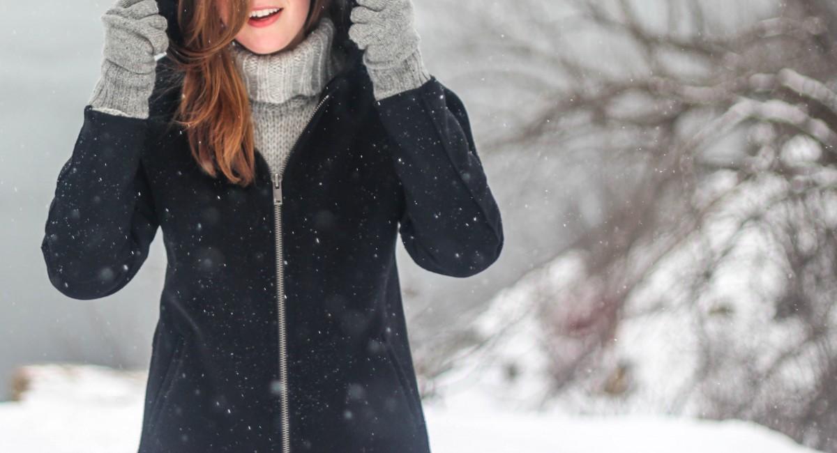 dziewczyna w zimowej kurtce