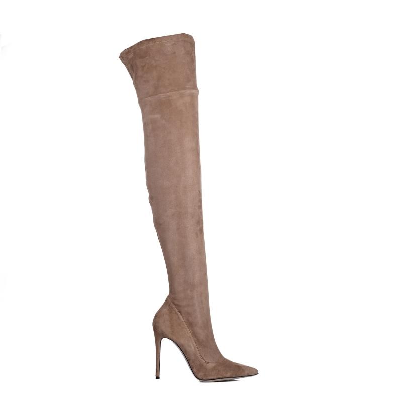 Jakie kozaczki letnie włoskie powinny wybrać panie posiadające szczupłe nogi?